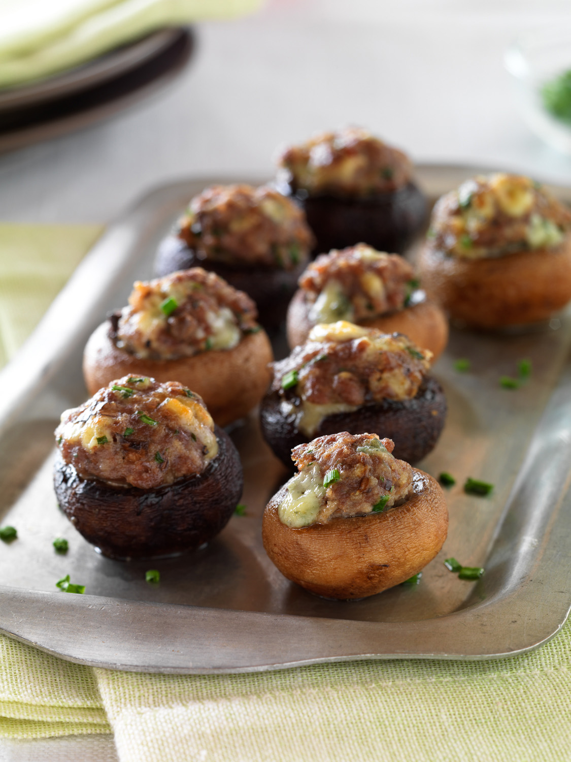 5345-00beef-and-blue-cheese-stuffed-mushrooms-1